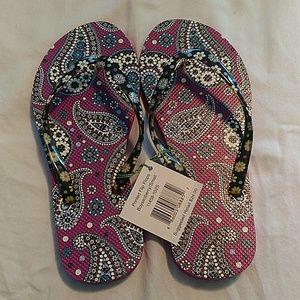 Vera Bradley flip flops size S NWT